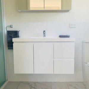 Rylstone bathroom by Scott Hawkins home Mudgee